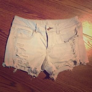 White wash denim distressed shorts